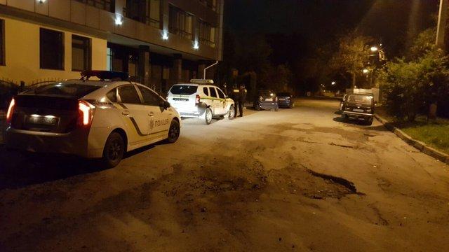 Невідомі в балаклавах намагались потрапити до офісу приватної компанії у Львові