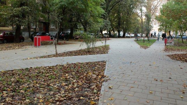 У Львові завершують реконструкцію «японського» скверу