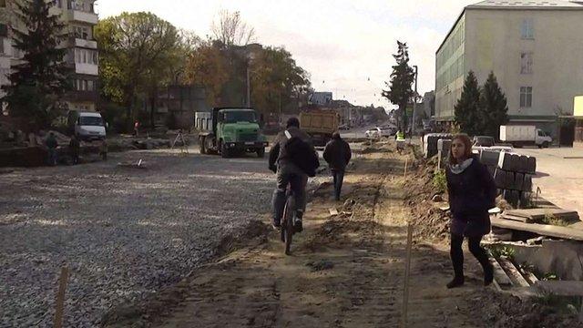 Проїзд біля мосту на Городоцькій у Львові перекрили на місяць