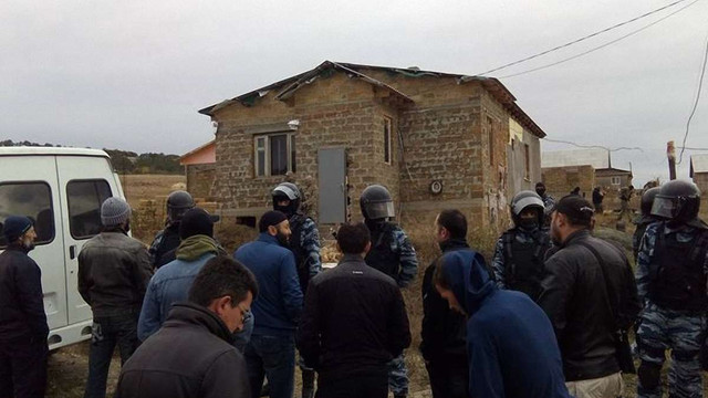 ФСБ влаштувала масові обшуки у кримських татар