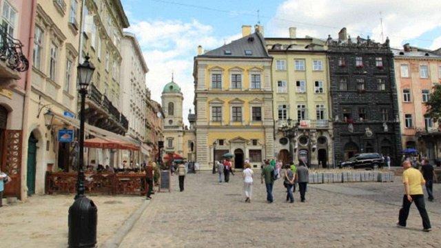 У Львові зробили жорсткішими правила в'їзду в пішохідну зону