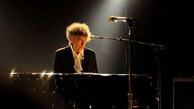 Нобелівську премію з літератури отримав Боб Ділан. Той самий