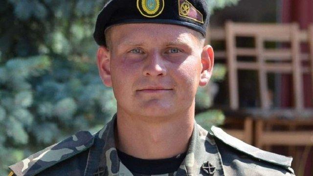 Порошенко присвоїв звання Героя України двом військовим