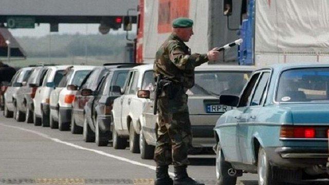 ДФС попередила водіїв авто на іноземній реєстрації про облави і нові штрафи