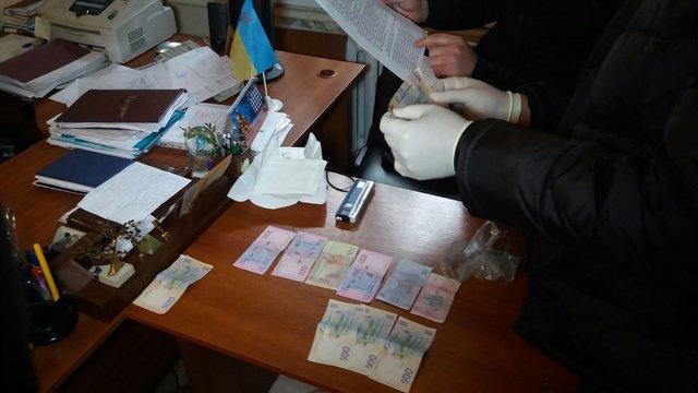 На Львівщині затримали на хабарі посадовця Держсільгоспінспекції
