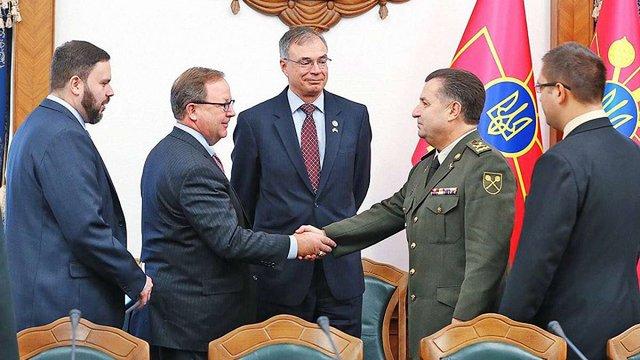 Степан Полторак обговорив із конгресменами США надання Україні летальної зброї