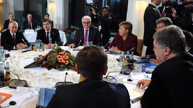Порошенко та Путін не потисли один одному руки перед початком переговорів у Берліні