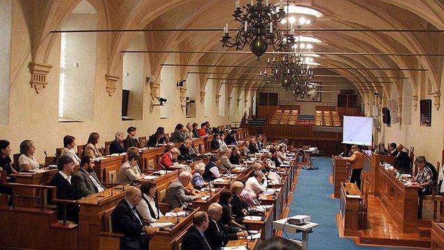 Сенат Чехії прийняв постанову про необхідність відновлення українського контролю над кордоном