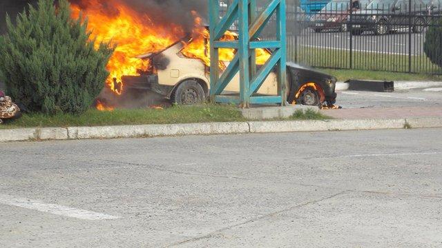 У пункті пропуску «Краковець» згоріла машина