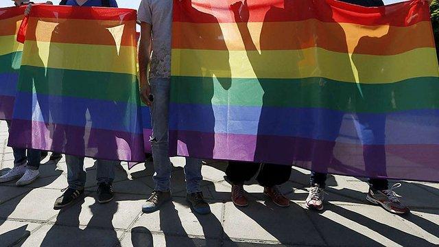 У Великобританії і Німеччині хочуть реабілітувати гомосексуалів, засуджених у минулому