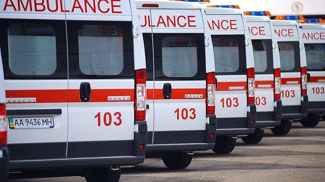 Китай подарував Україні 50 машин швидкої допомоги із сучасним обладнанням