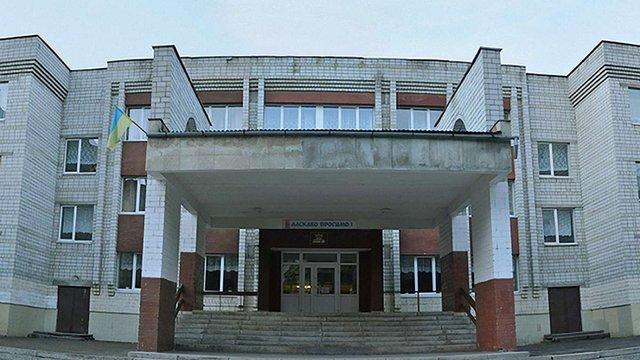 Дві львівські школи змагаються у проекті на безкоштовний ремонт