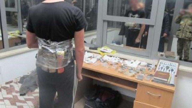 Двоє українців намагалися вивезти до Польщі 600 предметів старовини