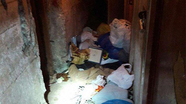 Львівські патрульні затримали у підвалі житлового будинку двох грабіжників