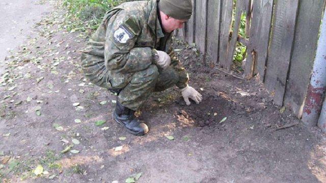 На Чернігівщині подружня пара підірвалася на розтяжці біля власного будинку