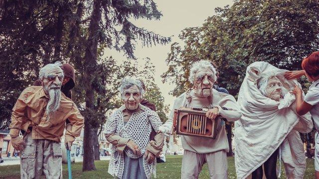 У Львові  покажуть благодійну виставу про літніх людей «Осінь на Плутоні»