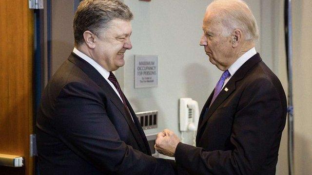 Порошенко обговорив з Байденом залучення США до імплементації Мінських домовленостей