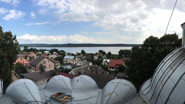 У селищі Івано-Франкове на церкві встановили відеокамери для моніторингу лісових пожеж