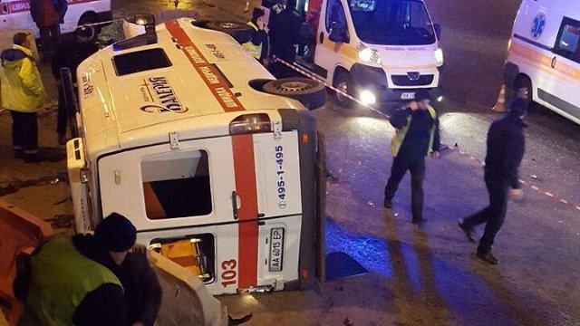 У Києві в ДТП потрапила «швидка»: 4 постраждалих, 1 загиблий