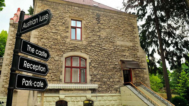 Суд остаточно виселив готель «Замок лева» з історичних вілл