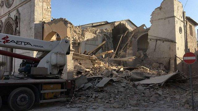 Землетрус в Італії зруйнував базиліку святого Бенедикта