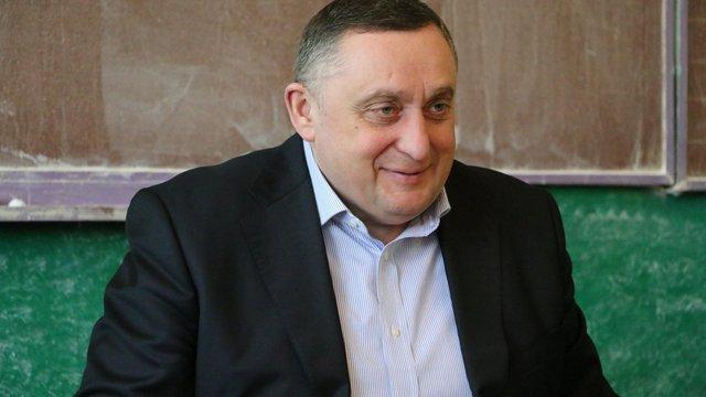 Київський фотограф нагадав Дубневичу про обіцянку подарувати коштовний годинник