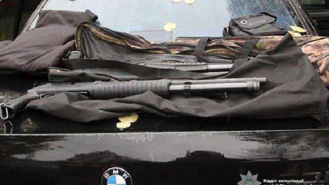 У Рівному поліція затримала автомобіль з арсеналом зброї