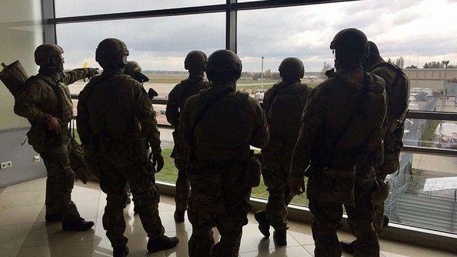 В аеропорту «Бориспіль» cпецназ провів навчання із затримання «російської мафії»