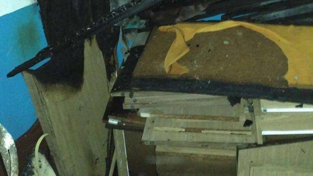 Внаслідок пожежі в будинку у центрі Львова літня жінка отруїлася димом