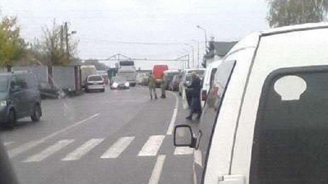 Через збій системи польської митниці на кордонах утворилися величезні черги автівок