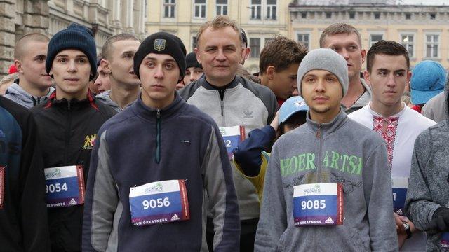 Андрій Садовий пробіг 2 кілометри на львівському півмарафоні