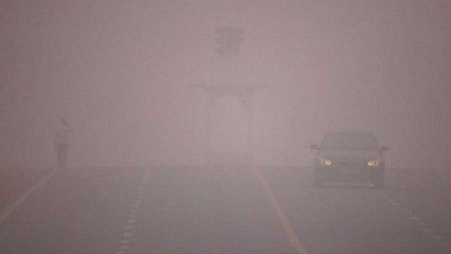 Через сильний смог після фестивалю вогнів влада Делі закрила школи