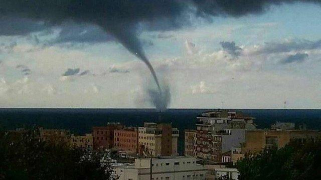 Внаслідок торнадо в Італії загинули дві людини