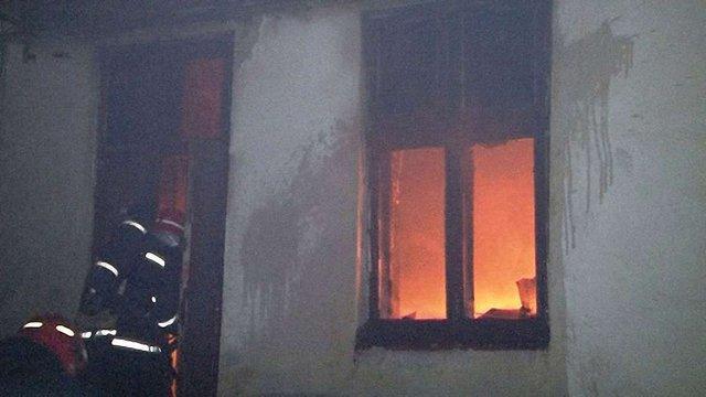 У центрі Львова виникла пожежа в житловому будинку