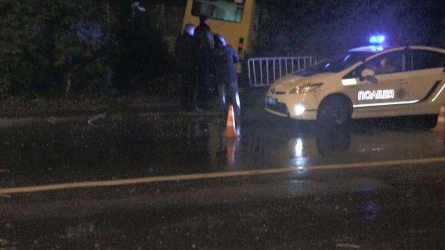 Внаслідок зіткнення маршрутки і позашляховика у Львові постраждали троє людей