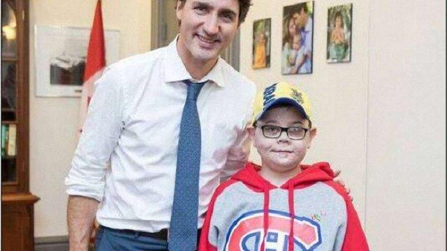 Прем'єр Канади зустрівся з українським хлопчиком, покаліченим на Донбасі