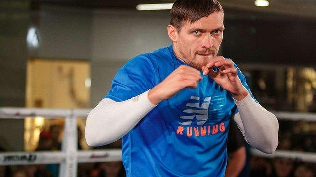 Олександр Усик став спаринг-партнером російського боксера