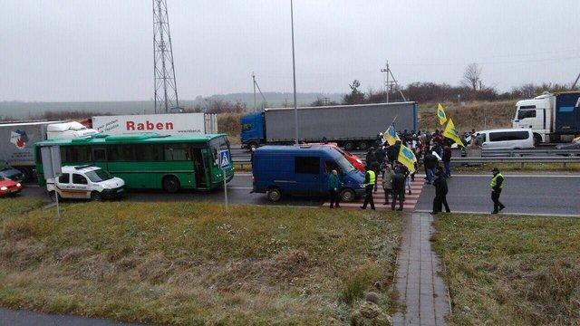 Через протести прикордонники радять оминати пункт пропуску «Рава-Руська»