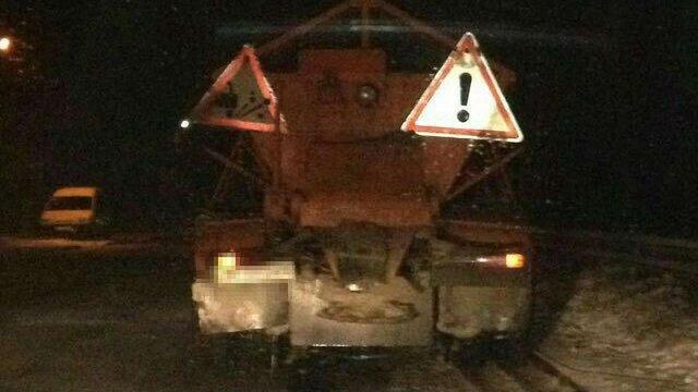 П`яний водій снігоочисника 15 км втікав від поліції по трасі Київ-Чоп