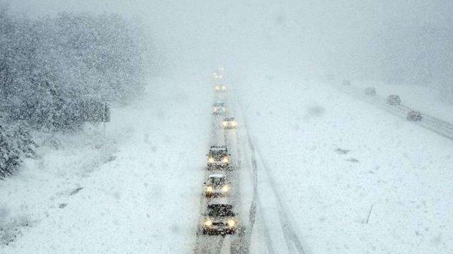Снігопади та заметілі в Україні триватимуть до 17 листопада