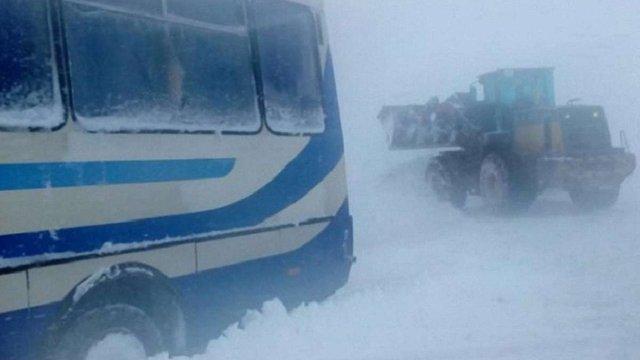 На Івано-Франківщині в ДТП потрапив екскурсійний автобус з дітьми