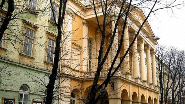 Театр ім. Марії Заньковецької отримає майже ₴1,2 млн на нові крісла
