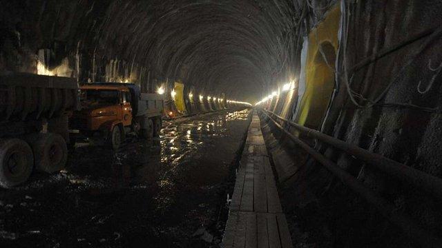 Потяги через Бескидський тунель пустять наприкінці 2017 року