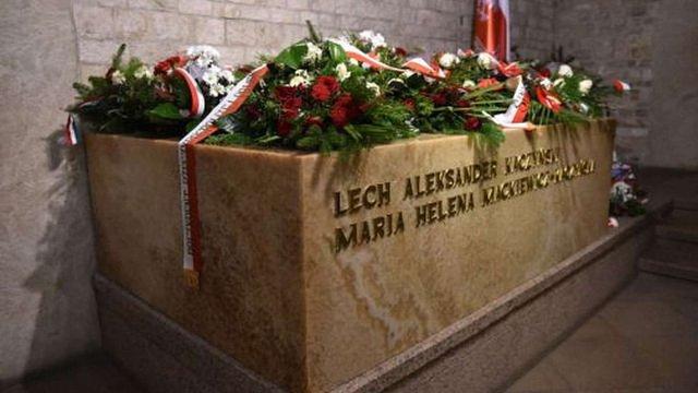 У Польщі перепоховали останки колишнього президента Леха Качинського і його дружини