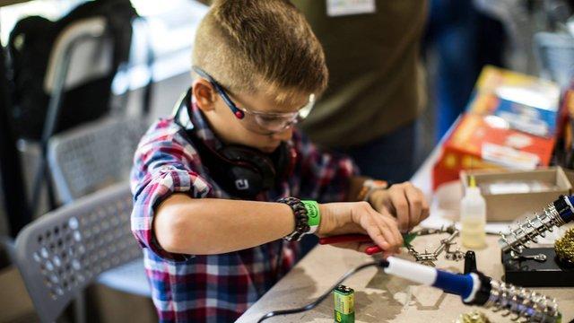На першому львівському фестивалі винахідників презентують понад 50 проектів
