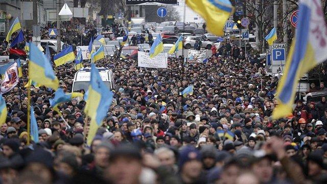 Дві третини українців переконані, що ситуація в країні розвивається у неправильному напрямку