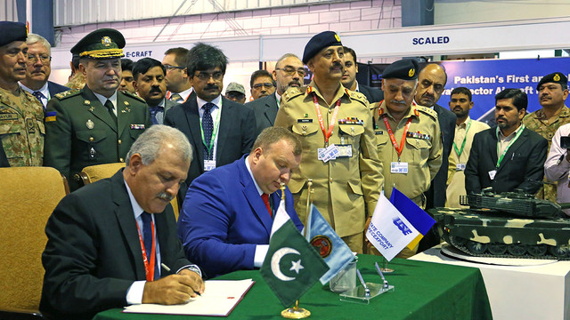 Україна підписала з Пакистаном угоду щодо обслуговування і модернізації танків на $600 млн