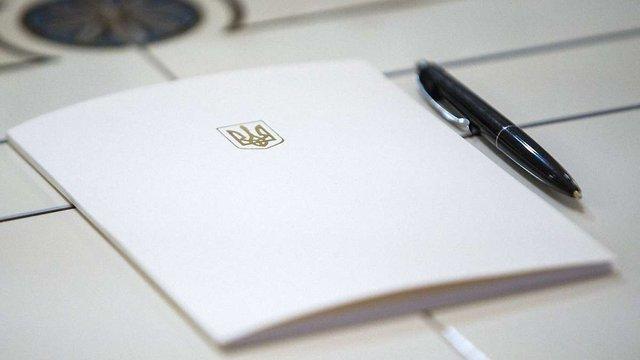 Порошенко підписав закон про реструктуризацію боргів ТКЕ і водоканалів