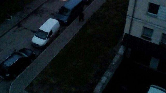 У Львові літній чоловік викинувся з вікна 7-го поверху