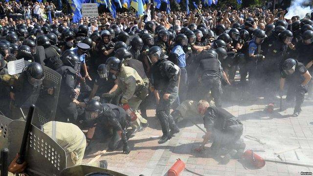 Депутати запропонували відсторонити Нацгвардію від охорони порядку на мітингах